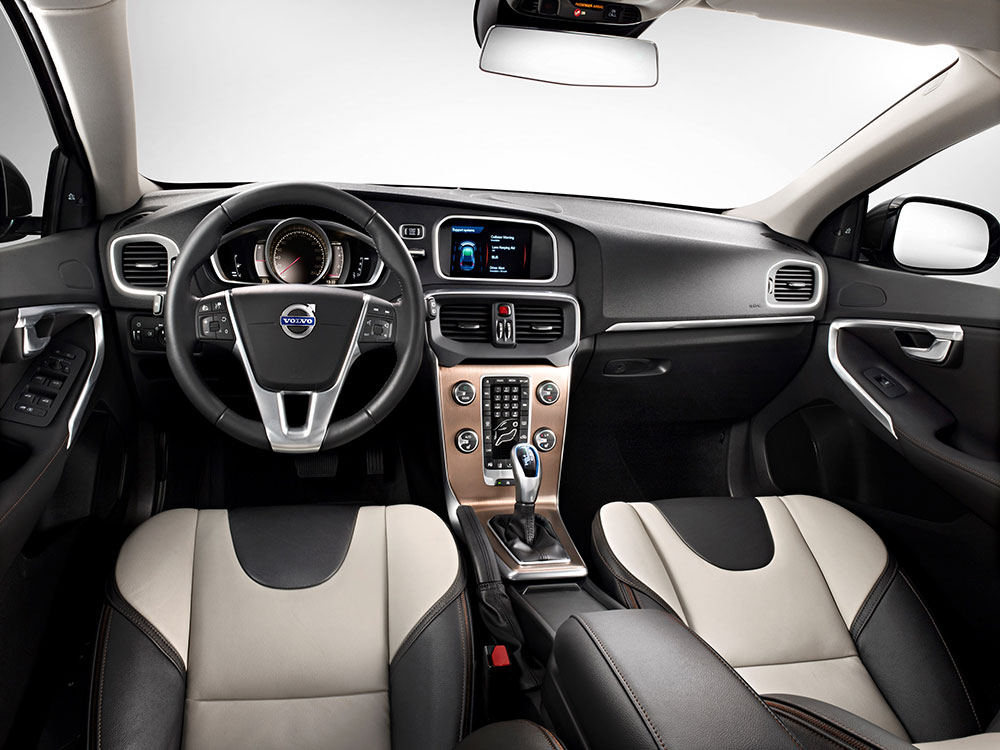 45534_The_all_new_Volvo_V40_Cross_Country