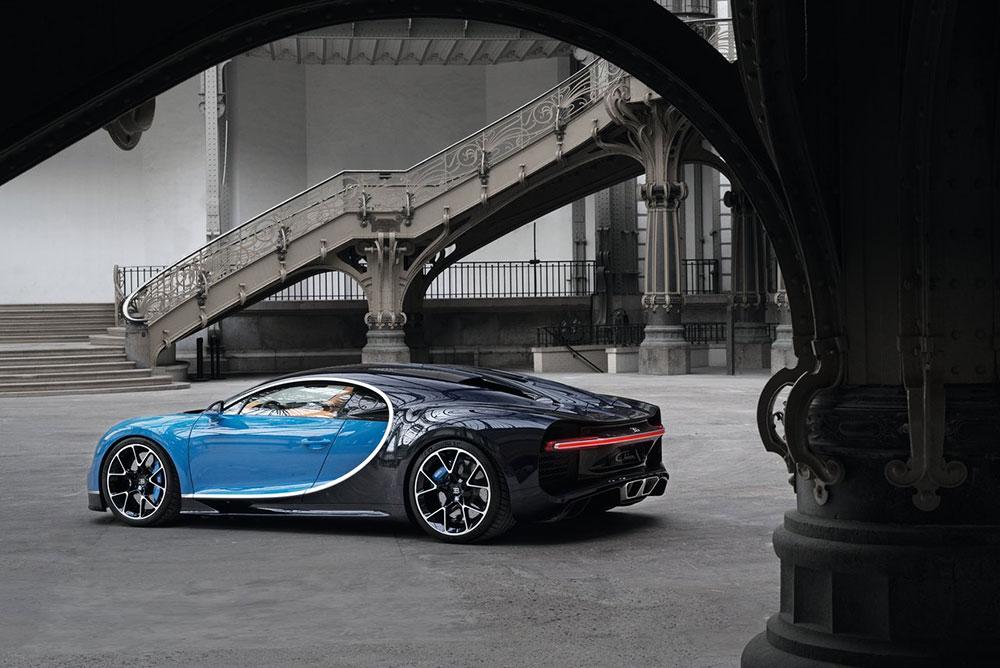 Bugatti-Chiron-2017-1280-1e