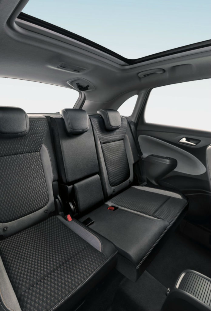 Opel Crossover X 3