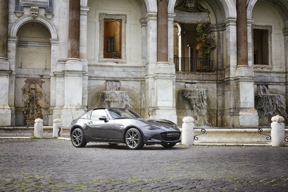 Mazda_MX-5_RF_in_Rome_2016_5 (1)