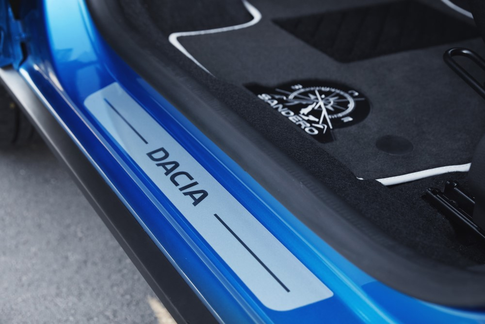 Dacia_84561_global_en