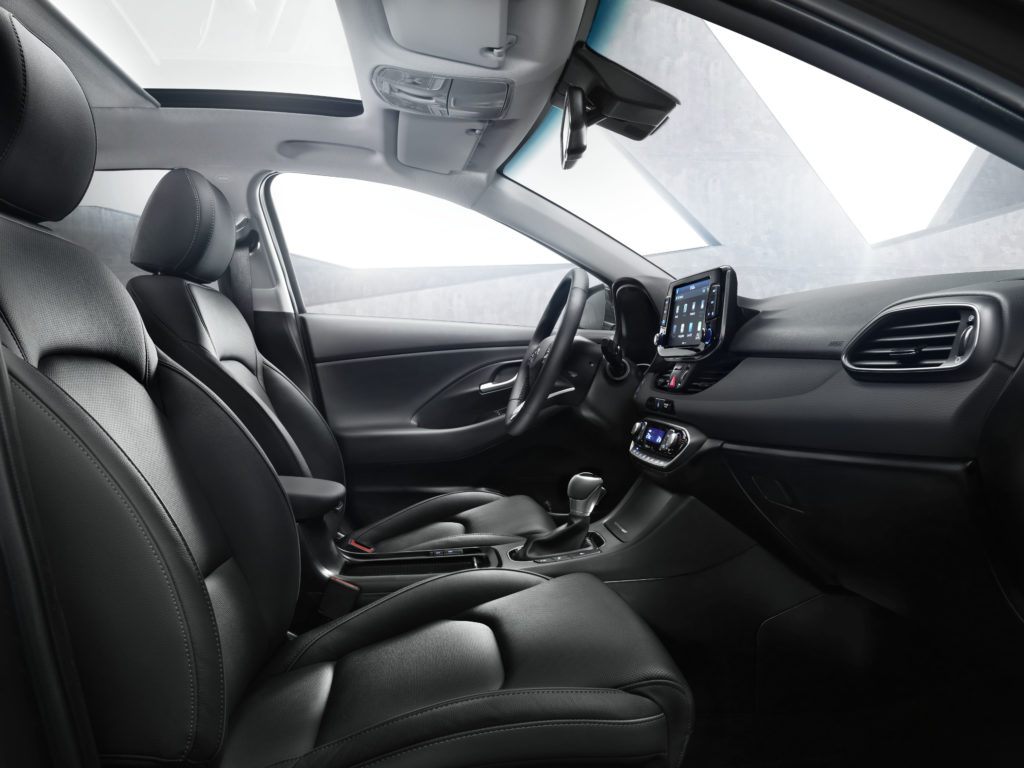 i30-wagon-interior-2-hires
