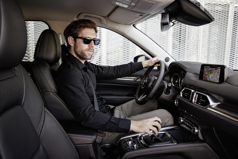 Sistemas de assistência à condução essenciais em grandes viagens