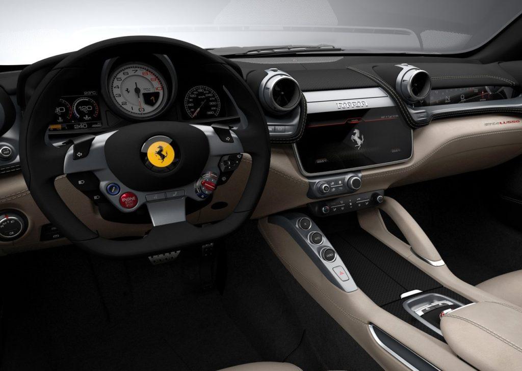 Ferrari GTC4 Lusso 2017 (7)