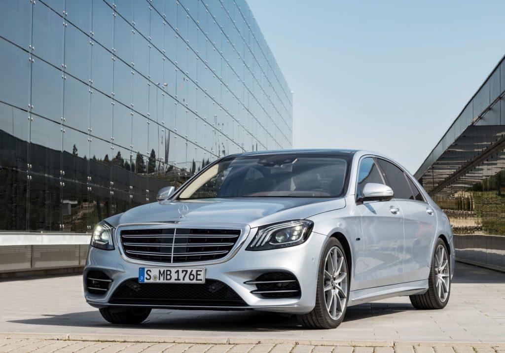 Mercedes-Benz-S560e-2018-1280-01