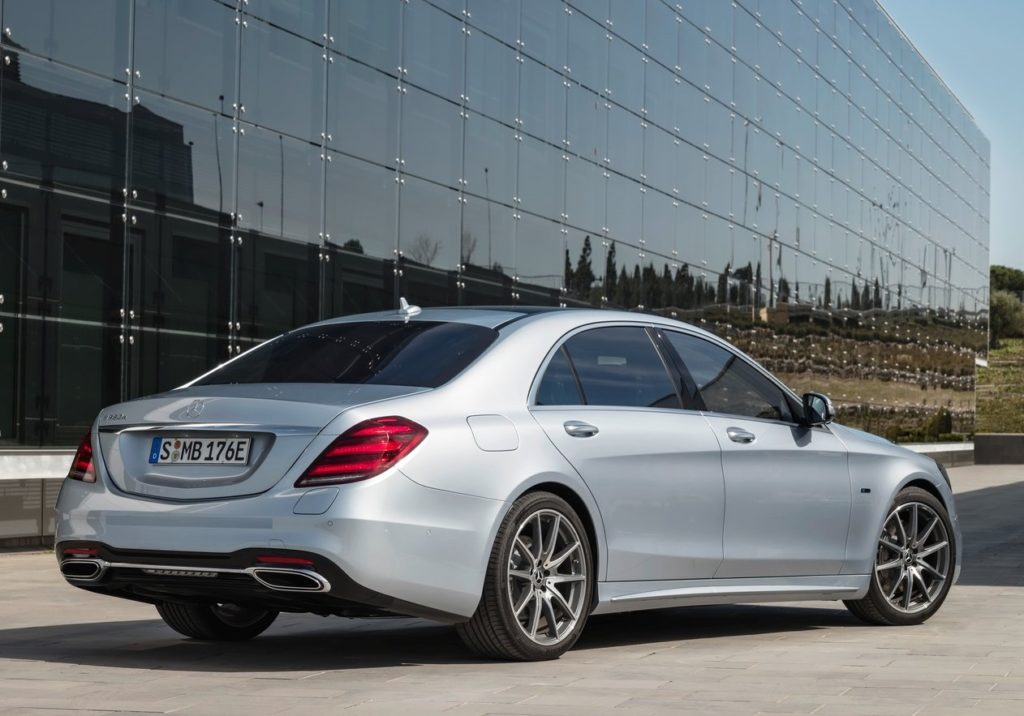 Mercedes-Benz-S560e-2018-1280-0d (1)