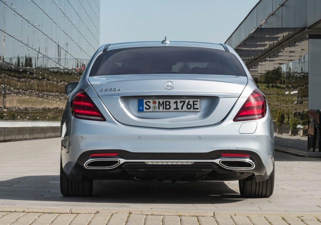 Mercedes-Benz-S560e-2018-1280-10
