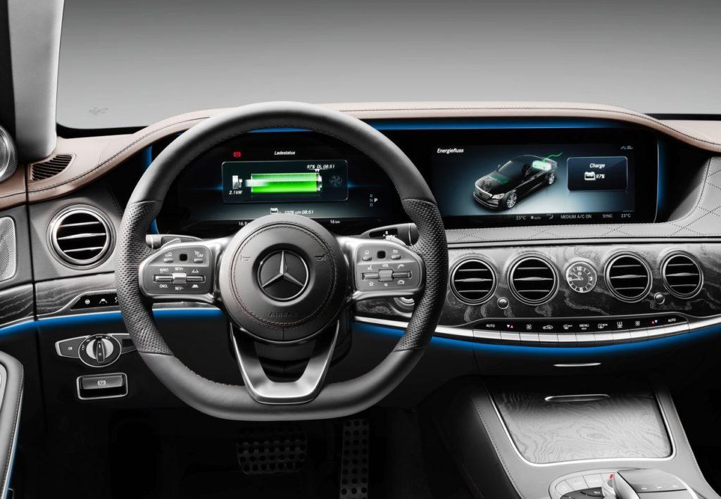 Mercedes-Benz-S560e-2018-1280-16 (1)