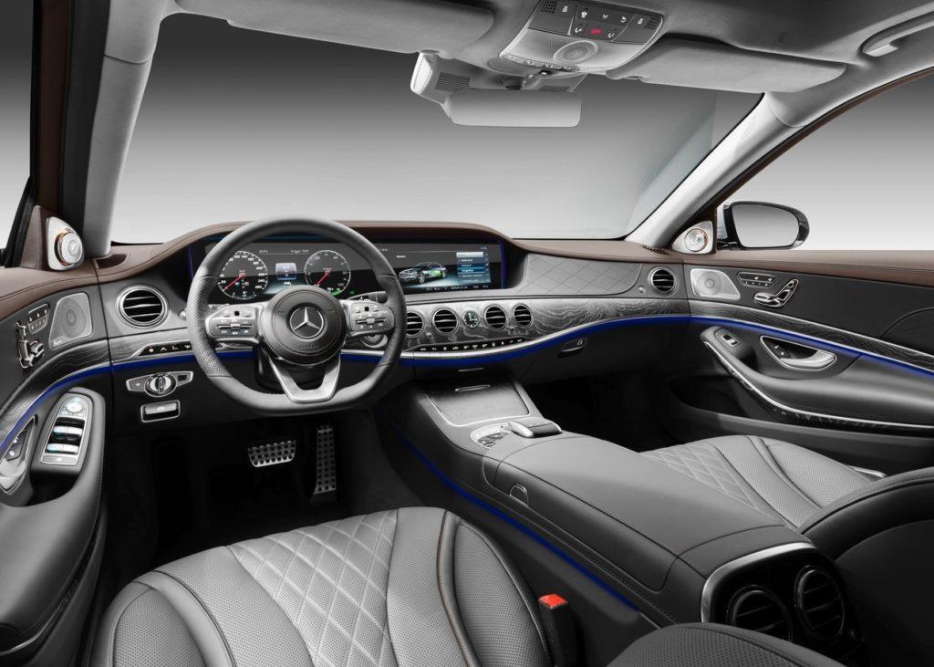 Mercedes-Benz-S560e-2018-1280-19