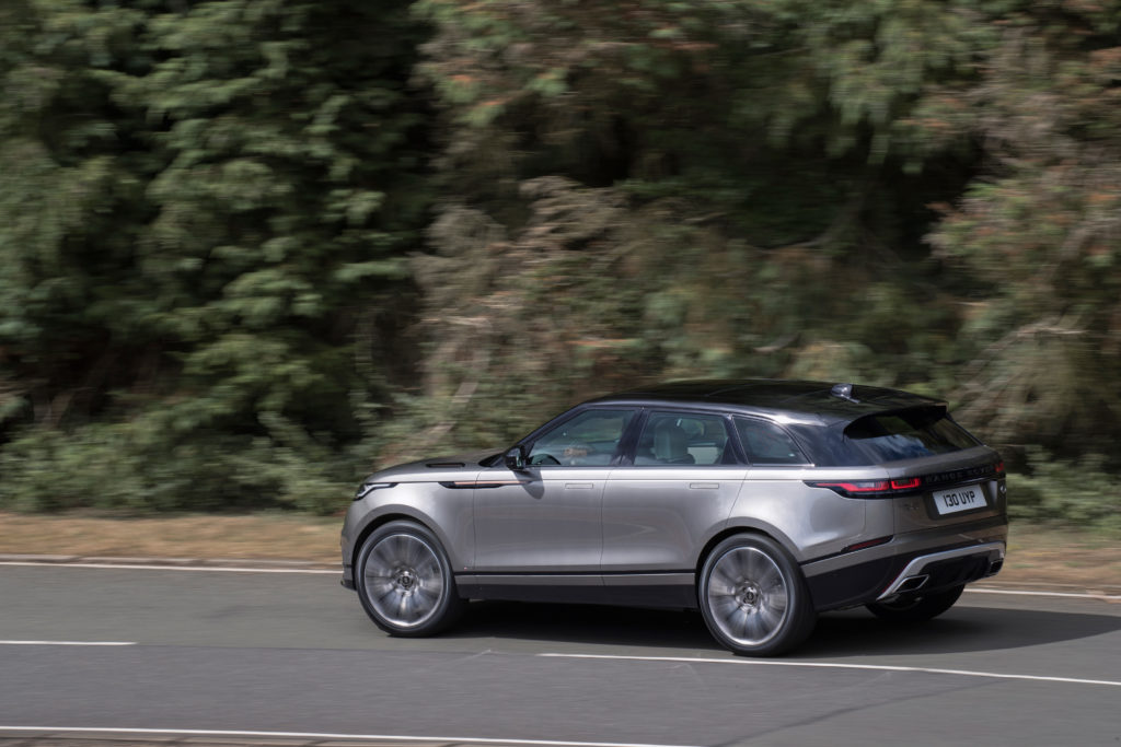 rrvelar18my400glhdprlocationdynamic010317