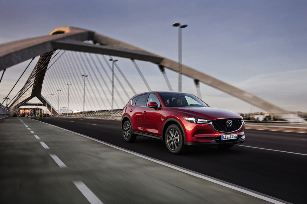 All-new-CX-5_BCN-2017_Action_04
