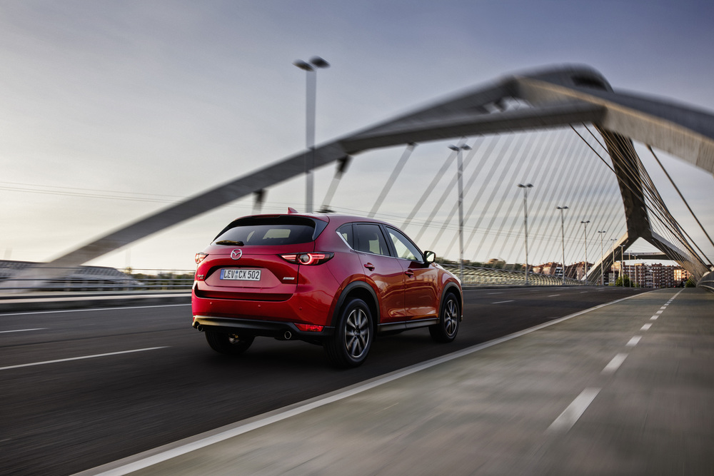 All-new-CX-5_BCN-2017_Action_05