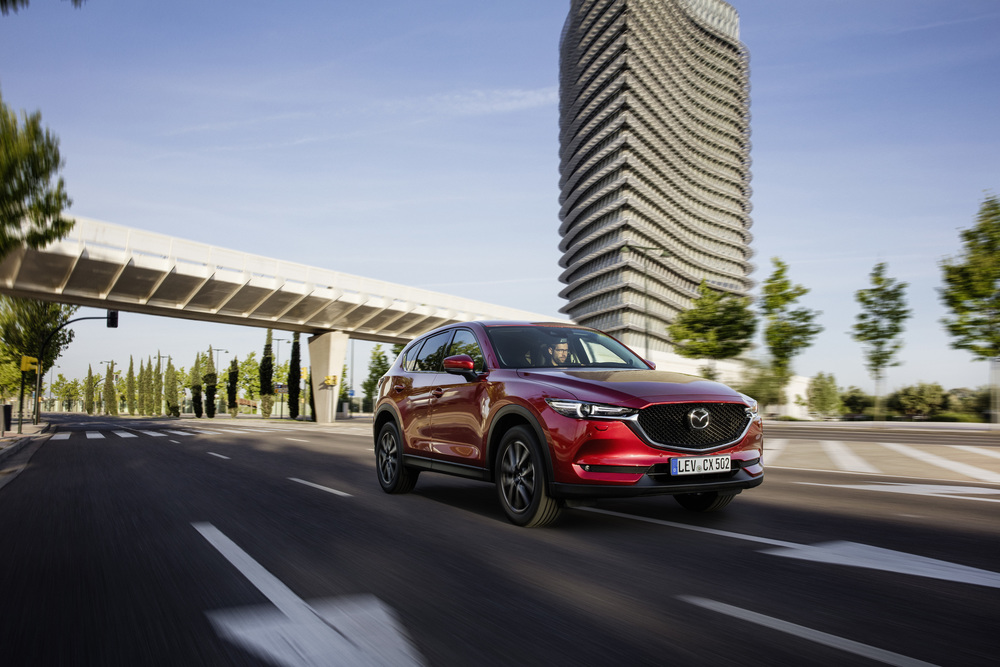 All-new-CX-5_BCN-2017_Action_07