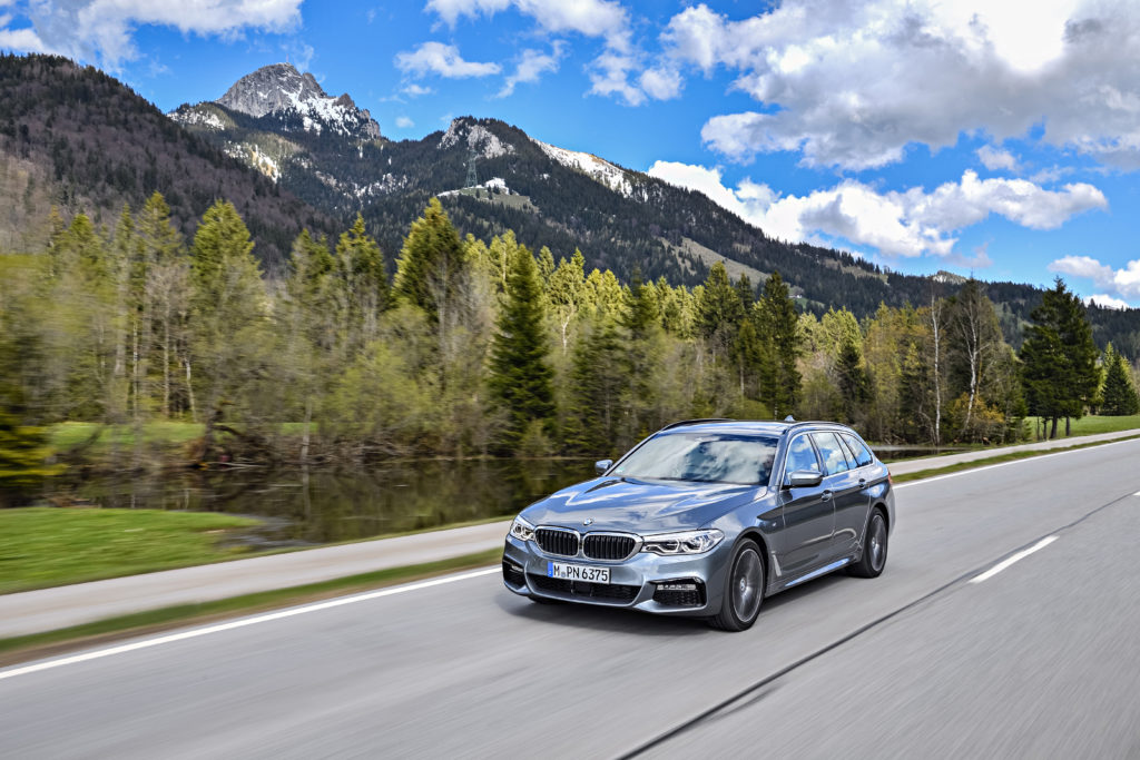 P90258775_highRes_the-new-bmw-5-series