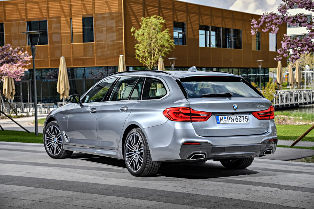 P90258799_highRes_the-new-bmw-5-series