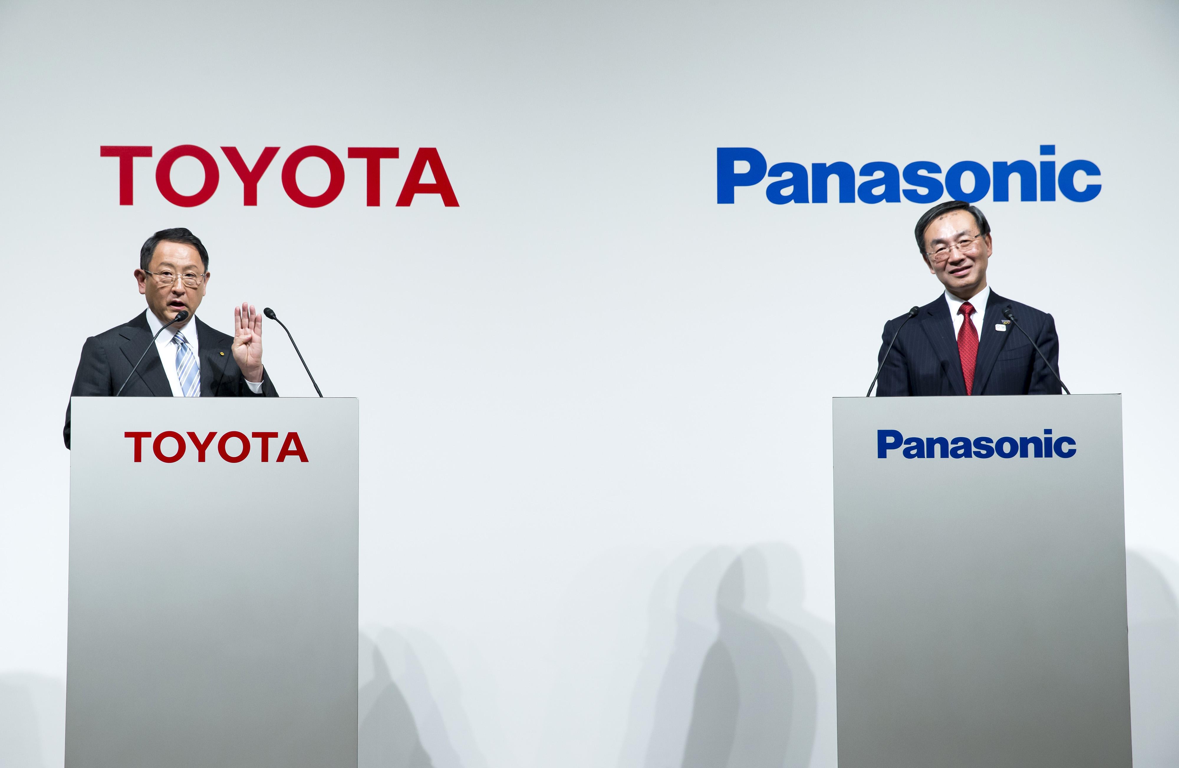 Toyota e Panasonic consideram parceria para desenvolver baterias