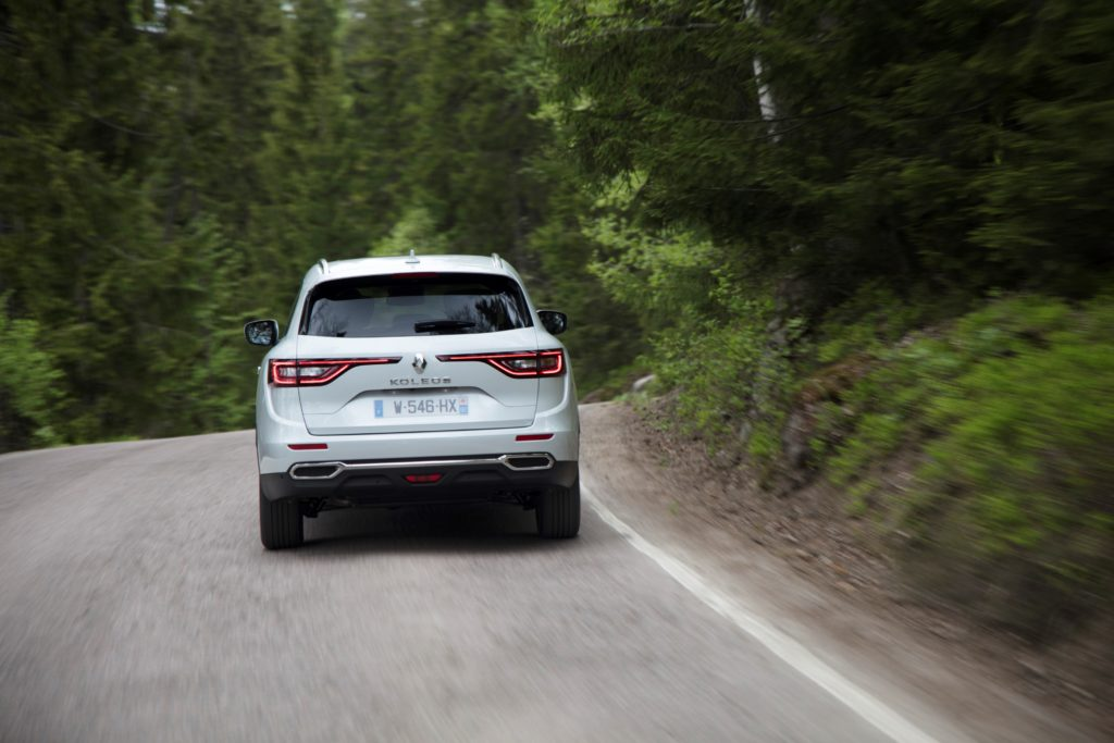 92086_2017_New_Renault_KOLEOS_Initiale_Paris_tests_drive_in_Finland