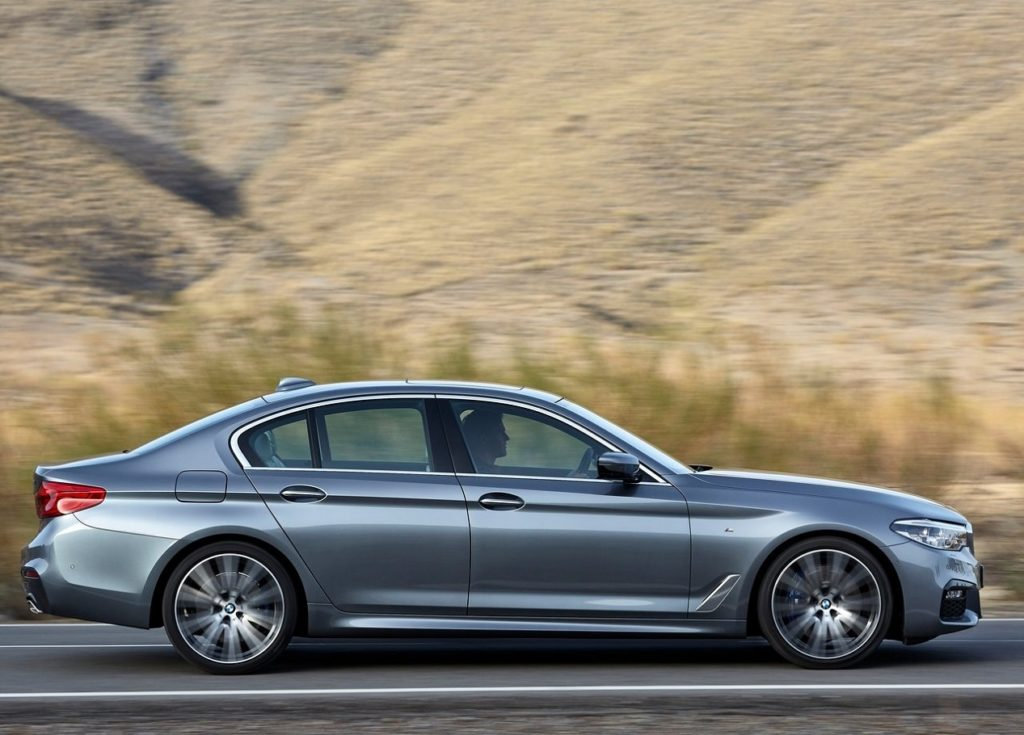 BMW 5-Series (2017) Lado