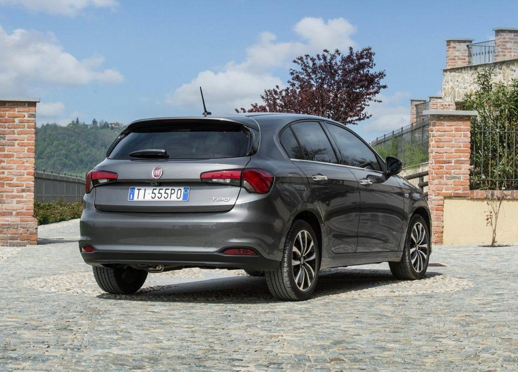 Fiat-Tipo_5-door-2017-1280-15