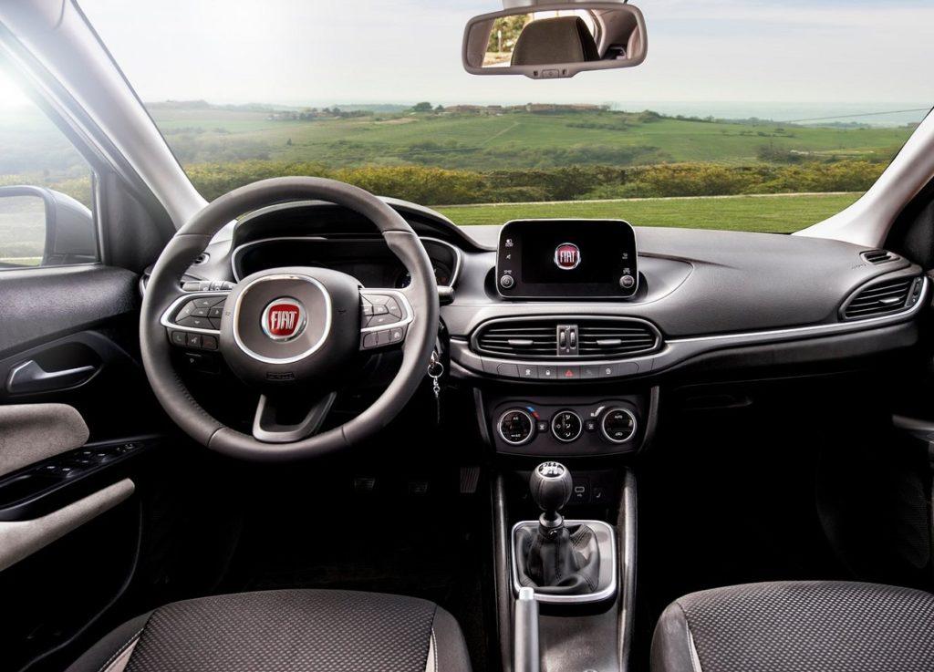 Fiat-Tipo_5-door-2017-1280-1e