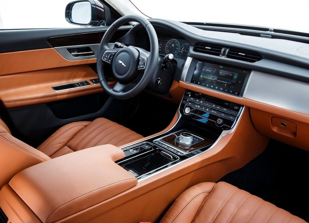 Jaguar XF (2016) Interior