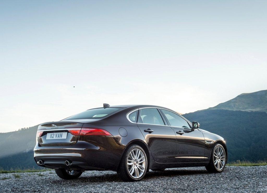 Jaguar XF (2016) Trás