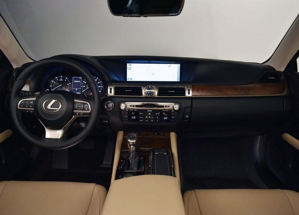 Lexus GS 200t (2016) Interior
