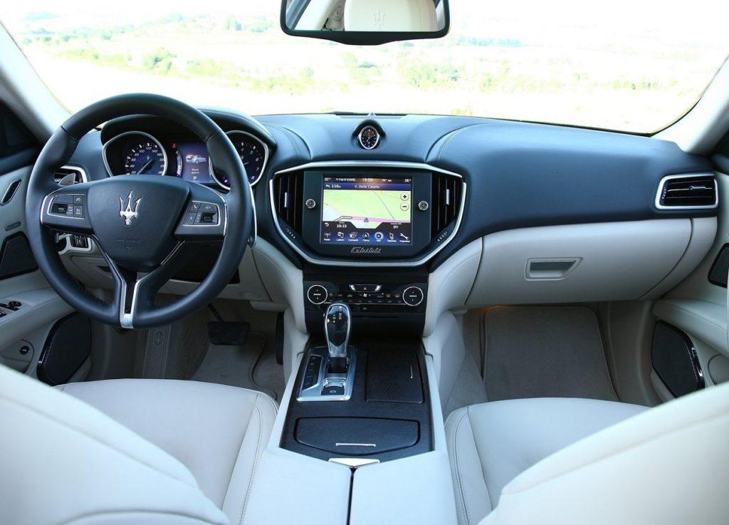 Maserati Ghibli(2014) Interior