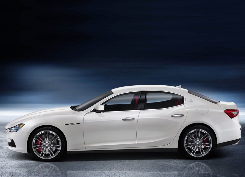 Maserati Ghibli(2014) Lado