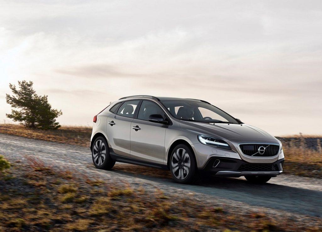 Volvo-V40_Cross_Country-2017-1280-01