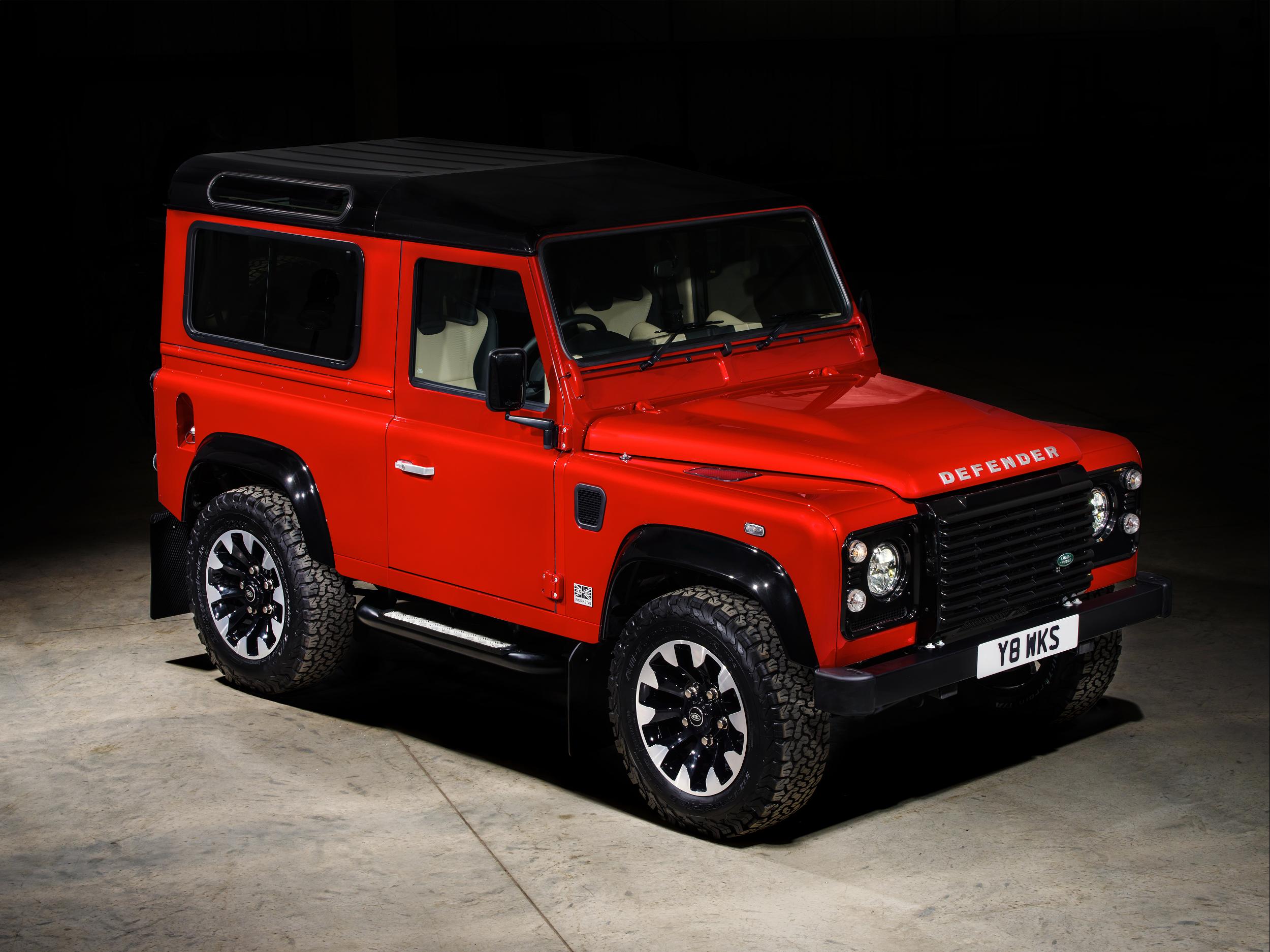 Land Rover lança edição especial de alto rendimento do icónico Defender