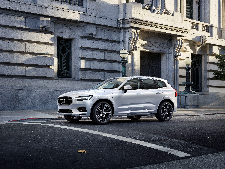 Volvo XC60 D5 AWD R-Design – Ensaio   Automais 8c5725d3a5