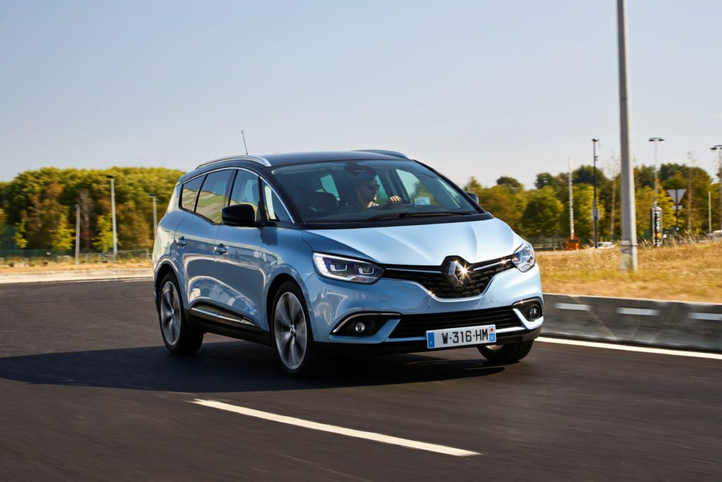 81436_2016_Drive_tests_New_Renault_GRAND_SCENIC_in_the_Bordeaux_region