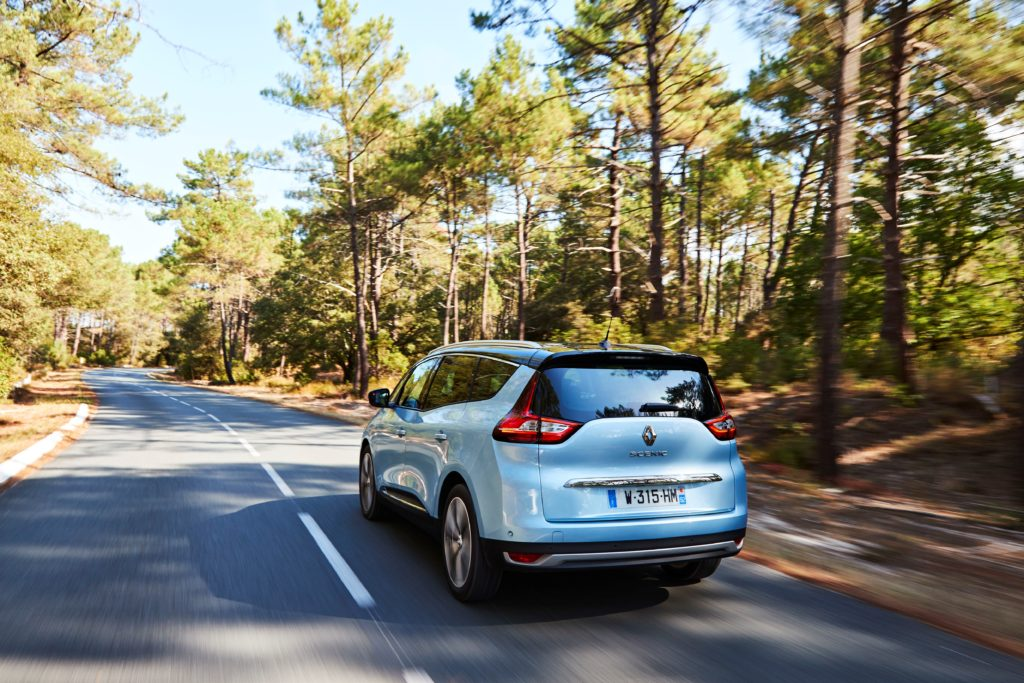 81450_2016_Drive_tests_New_Renault_GRAND_SCENIC_in_the_Bordeaux_region