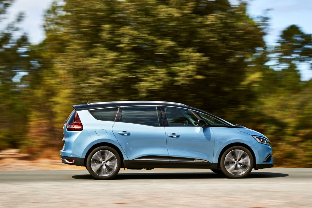 81455_2016_Drive_tests_New_Renault_GRAND_SCENIC_in_the_Bordeaux_region