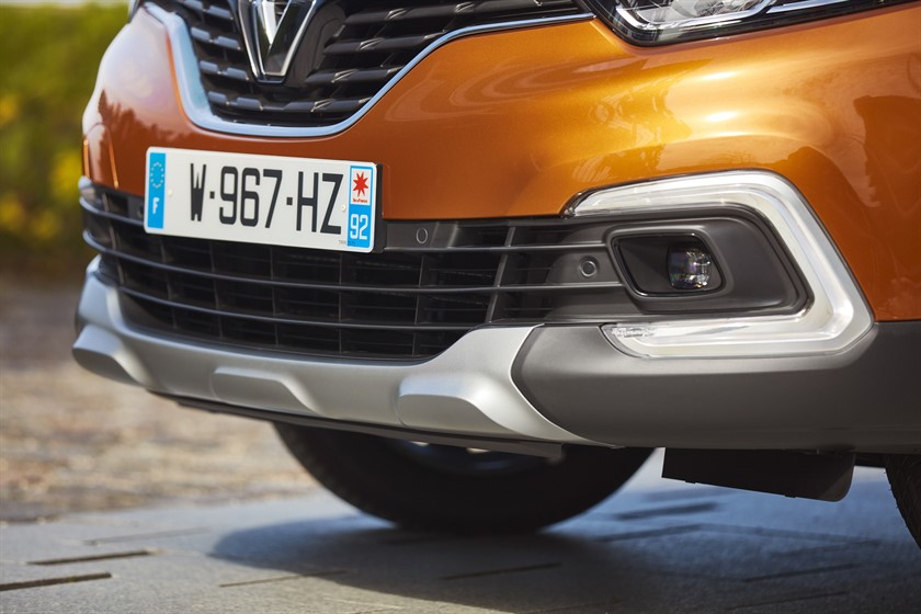 90815_2017_New_Renault_CAPTUR_tests_drive_in_Denmark