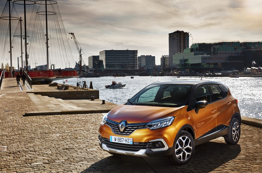 90843_2017_New_Renault_CAPTUR_tests_drive_in_Denmark