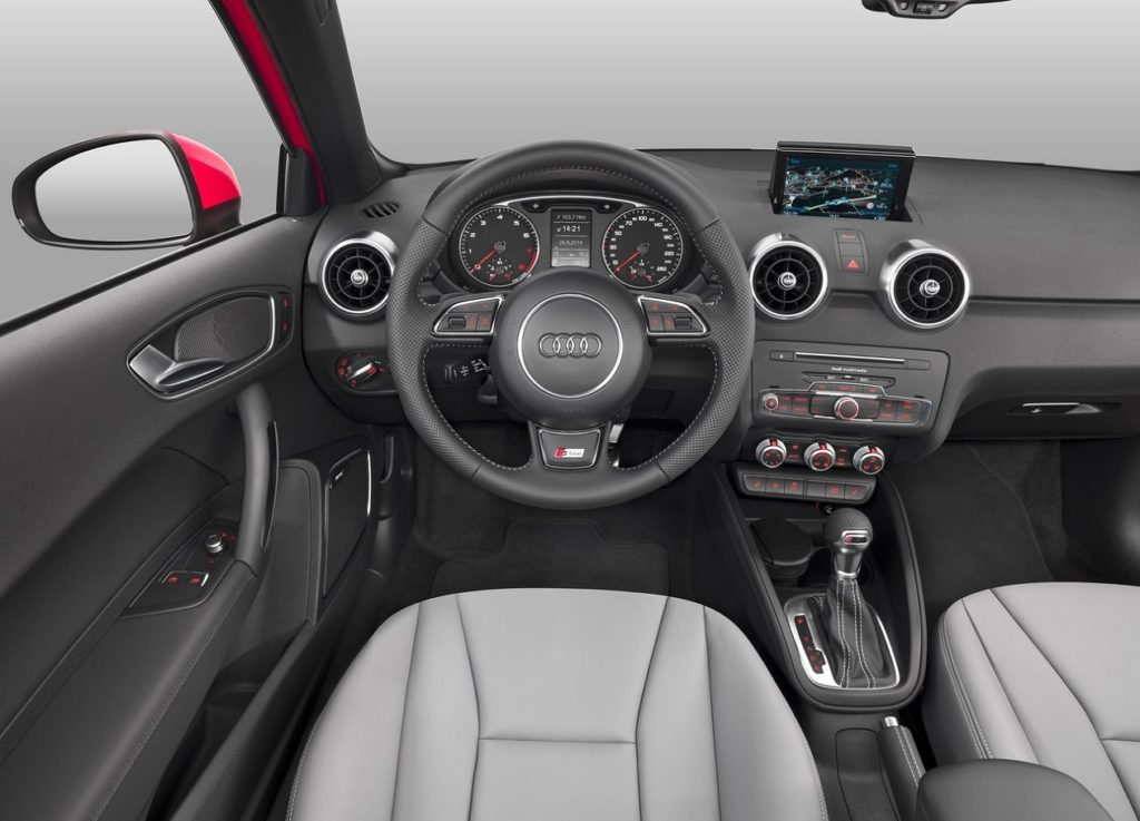 Audi A1 2015 (1)–