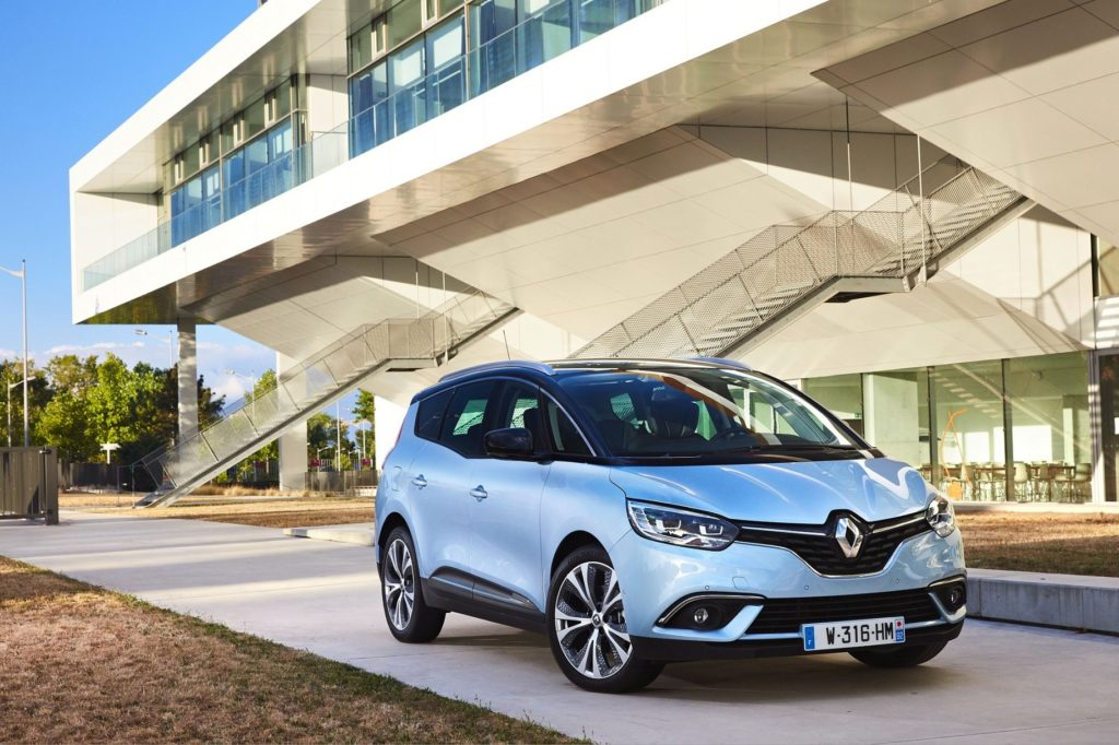 RENAULT SCENIC IV (JFA) AND GRAND SCENIC (RFA) PRESS TESTS AT ARCACHON