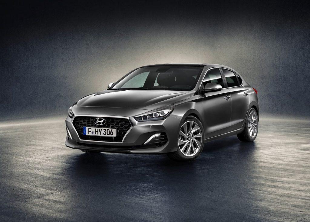 Hyundai i30 fastback-2018 (1)