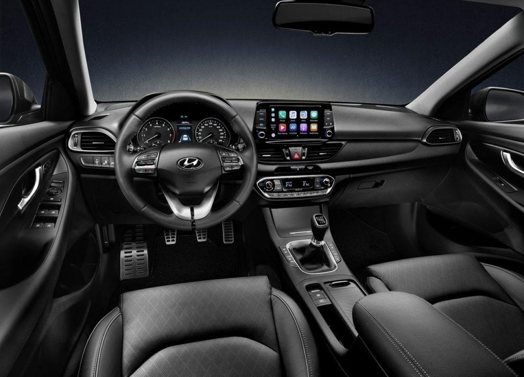 Hyundai i30 fastback-2018 (4)