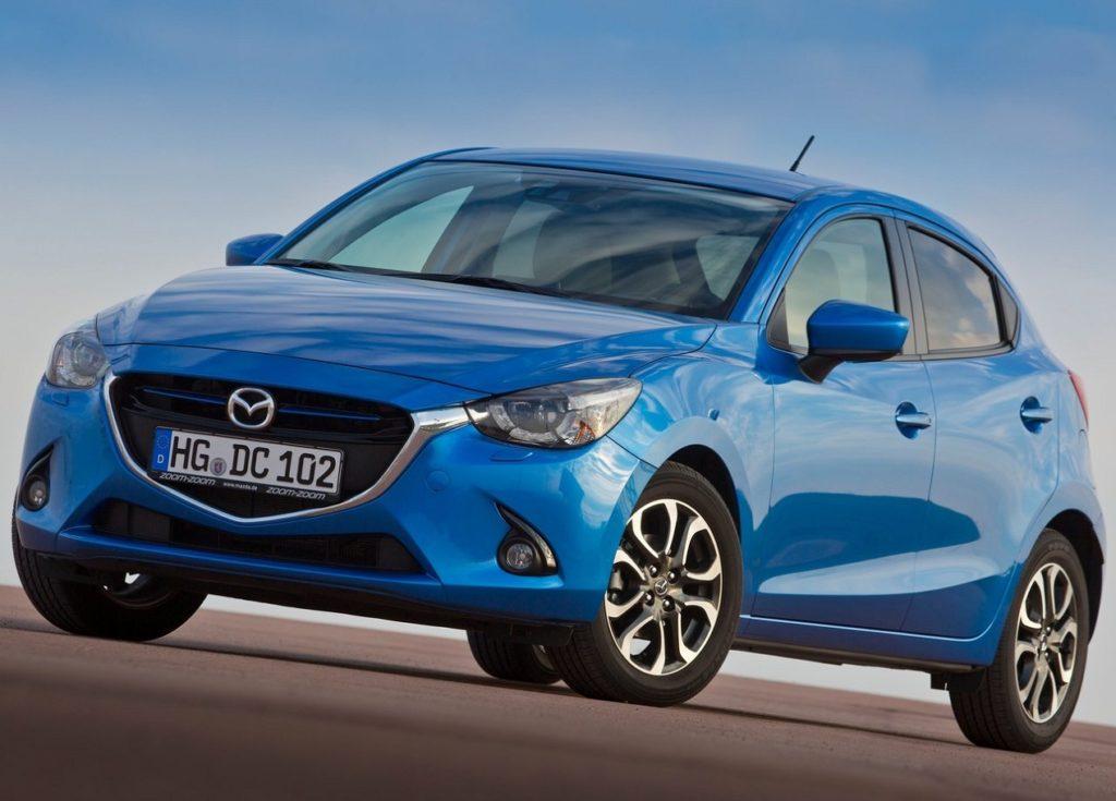 Mazda 2 2015 (1)