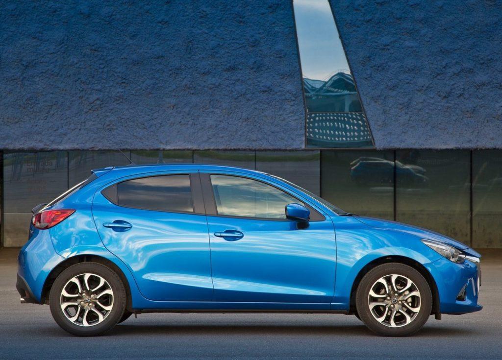 Mazda 2 2015 (2)