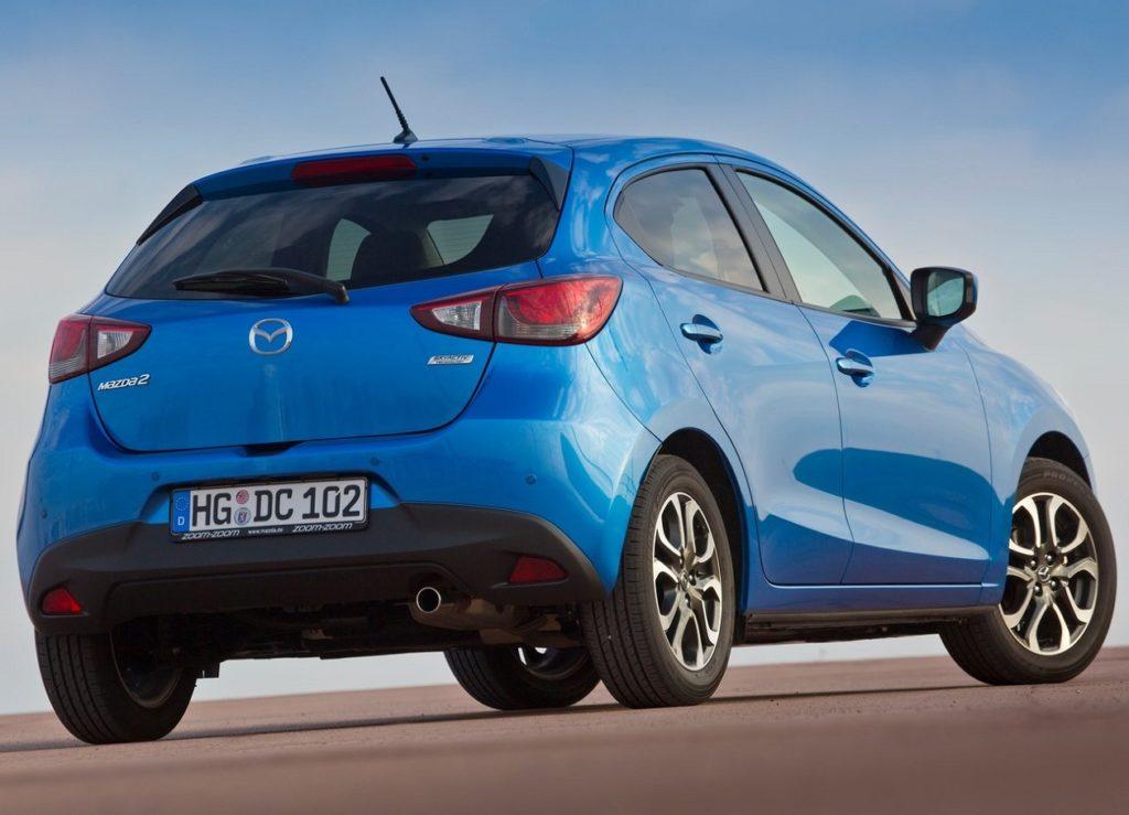 Mazda 2 2015 (4)