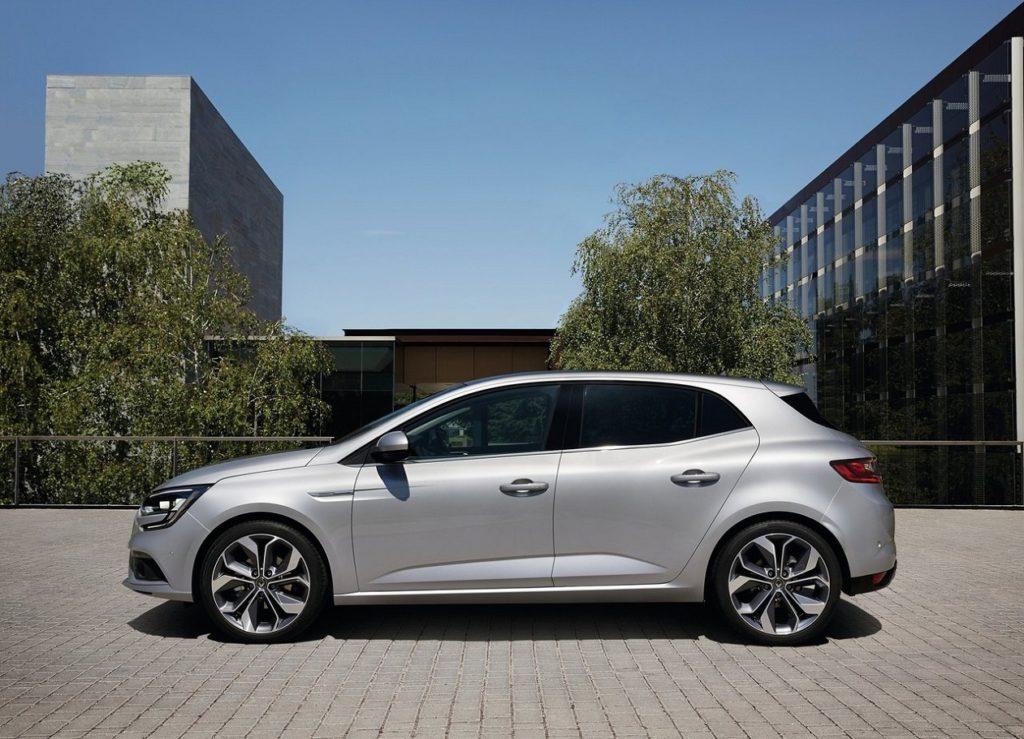 Renault-Megane-2016-1280-3d