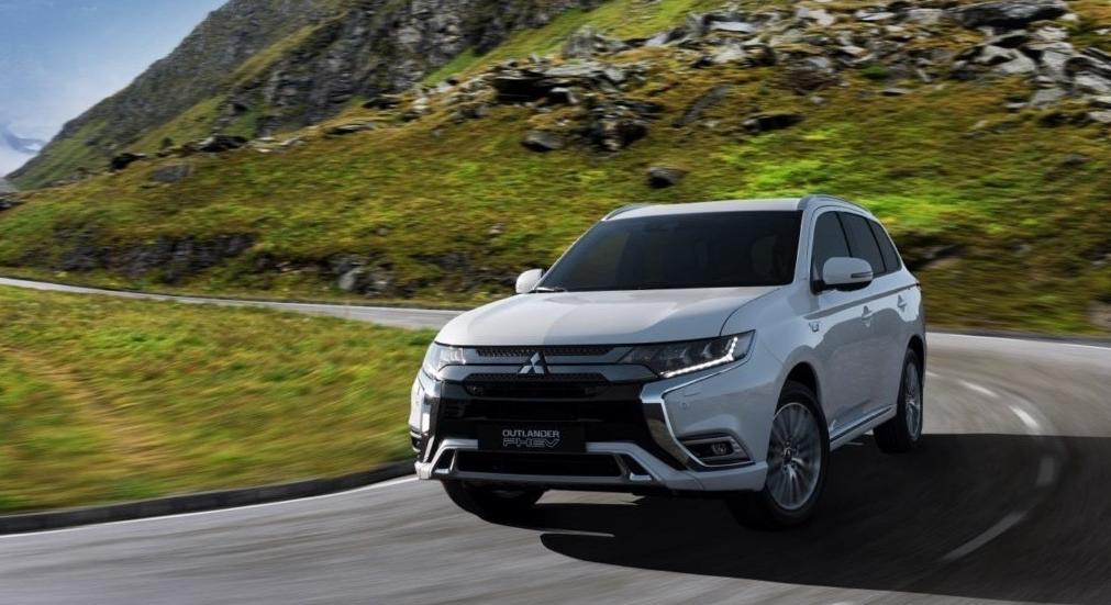 Mitsubishi Outlander PHEV mais potente marcará presença no Salão de Genebra