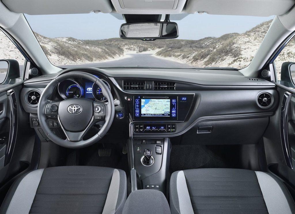 Toyota-Auris-2016-1280-19