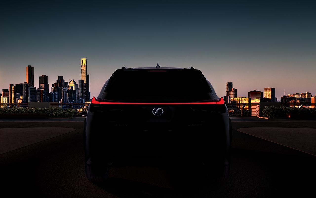 Lexus vai estrear novo crossover UX no Salão de Genebra