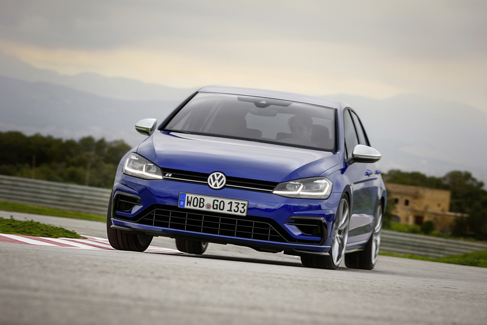 Volkswagen-Golf-R-