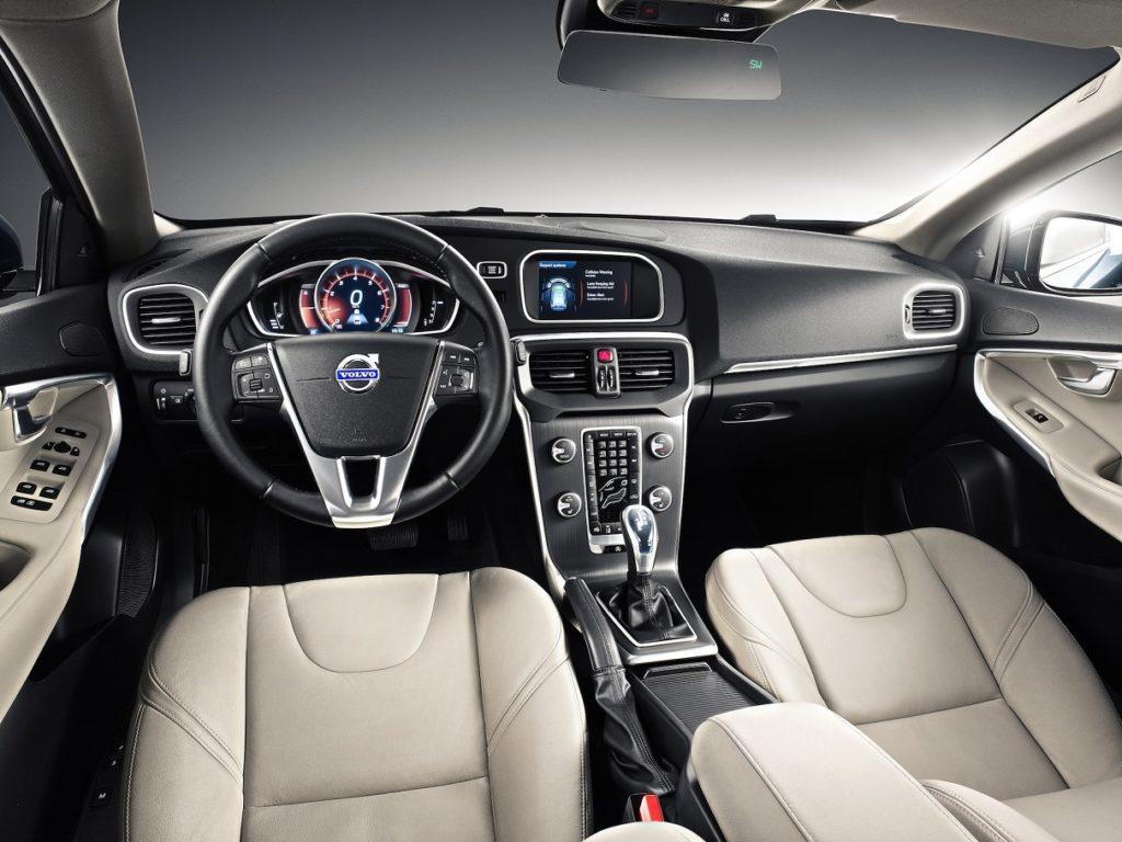 Volvo-V40-interior